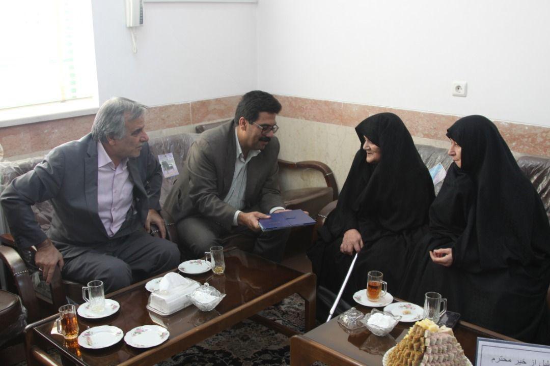 اداره کل نوسازی مدارس استان یزد - مدرسه ایرانی، بانوی مهربانی