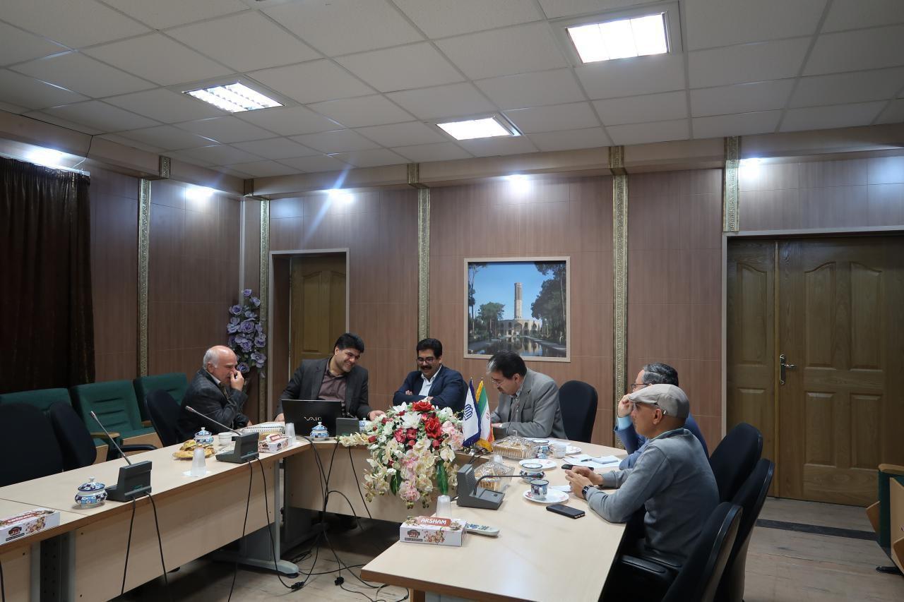 اداره کل نوسازی مدارس استان یزد - تشکیل جلسات جداگانه مدیران آموزش و پرورش شهرستانها ، مناطق و نواحی استان با مدیرکل نوسازی مدارس