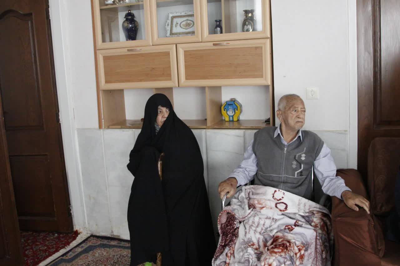 اداره کل نوسازی مدارس استان یزد - تجلیل وعیادت از خیرمدرسه ساز در یزد