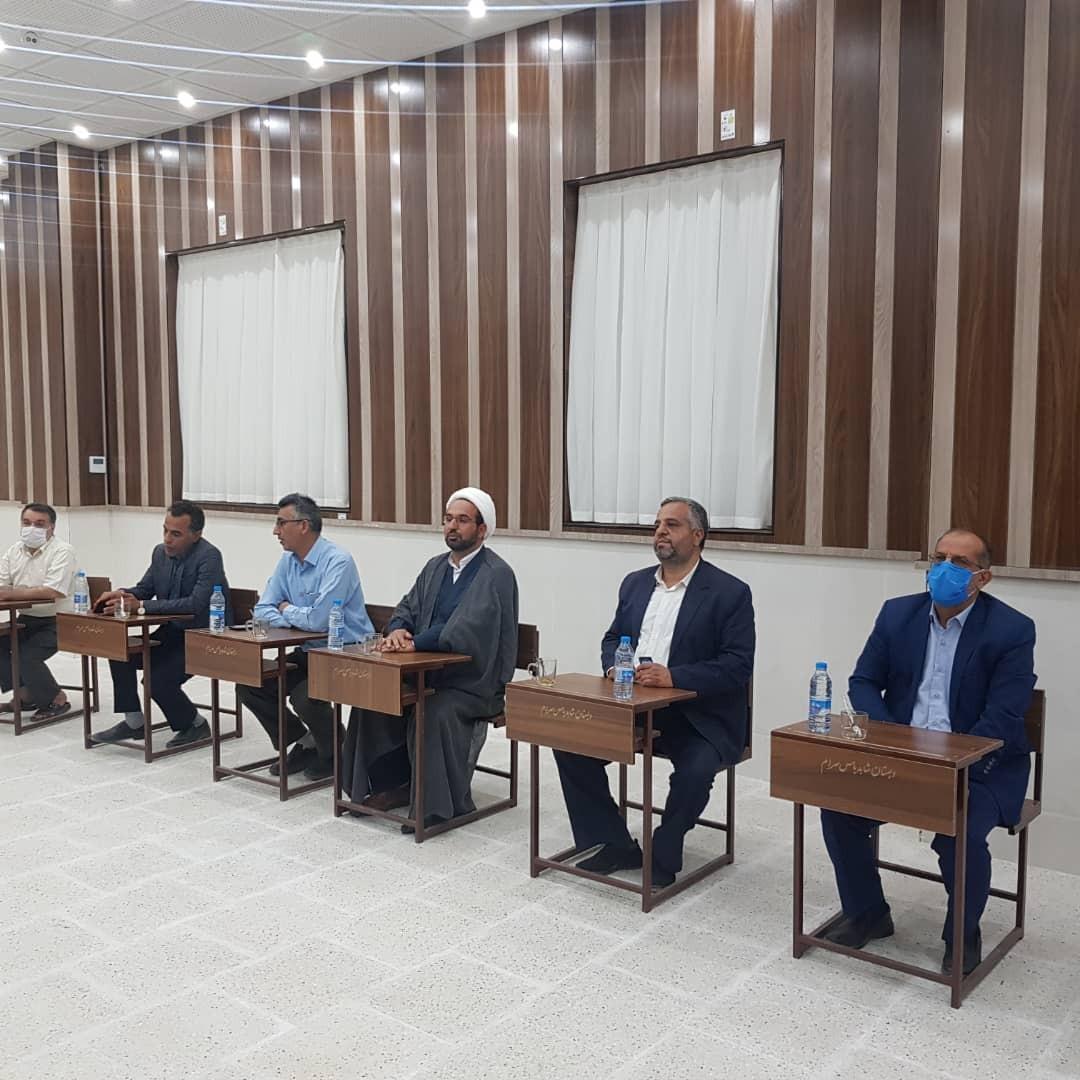 اداره کل نوسازی مدارس استان یزد - انعقاد تفاهم نامه احداث یک مدرسه ۶ کلاسه و سالن نمازخانه در میبد