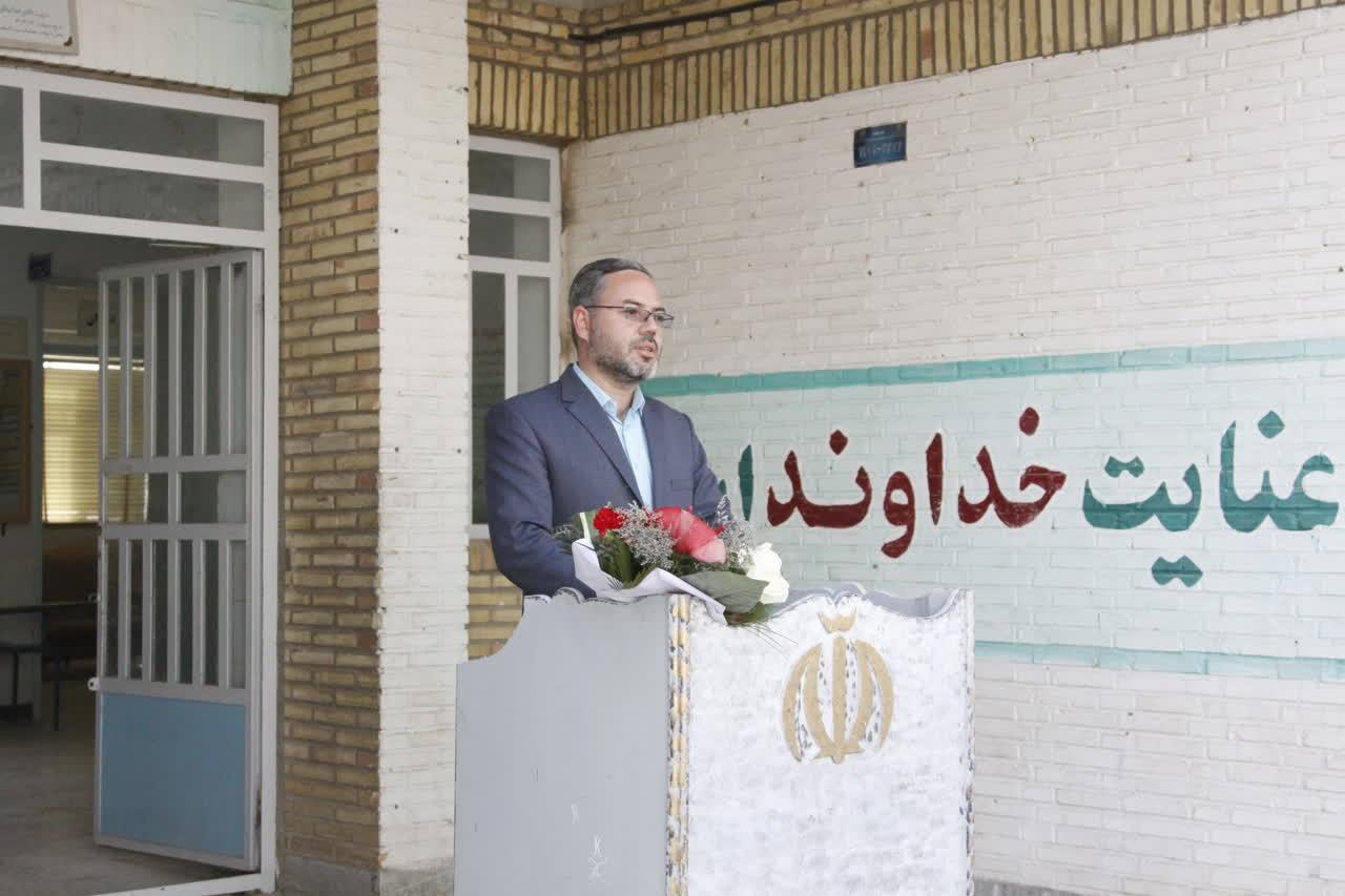 اداره کل نوسازی مدارس استان یزد - آغاز عملیات اجرائی ساخت کارگاه هنرستان شهید نیافر در مهریز یزد