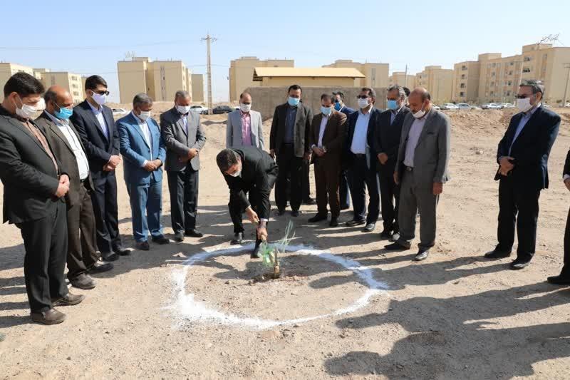 اداره کل نوسازی مدارس استان یزد - آغاز عملیات ساخت اموزشگاه الکترو برق مجمر در یزد
