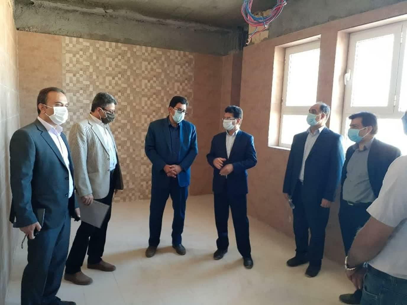 اداره کل نوسازی مدارس استان یزد - با حضور رئیس سازمان مدیریت استان از پروژهای در دست اجرا نوسازی مدارس بازدید شد.