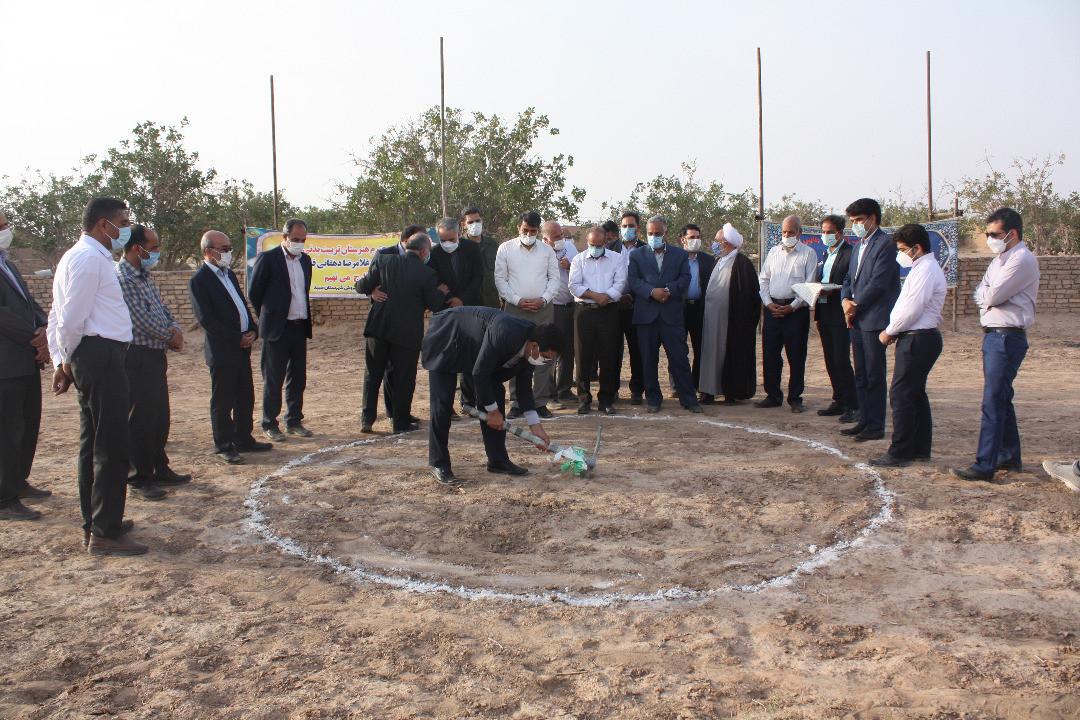 اداره کل نوسازی مدارس استان یزد - آیین افتتاح و شروع عملیات ساخت پروژه های آموزشی با حضور استاندار یزد درمیبد