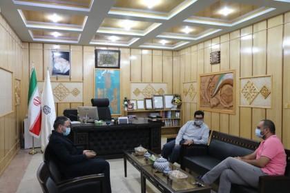 اداره کل نوسازی مدارس استان یزد - دیدار مدیرکل نوسازی استان یزد با مستند ساز خیرین مدرسه ساز در میبد