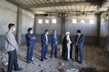بازدید عضو مجلس خبرگان رهبری از نمازخانه در حال احداث دبستان دخترانه ام البنین شهر یزد