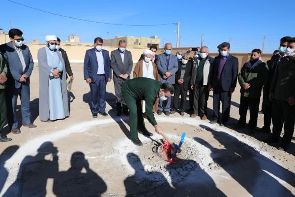 ساخت نخستین مدرسه طرح « آجر به آجر» شهرستان اشکذر آغاز شد