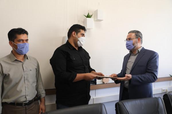 تجلیل از خدمات سرباز امریه اداره کل نوسازی مدارس یزد