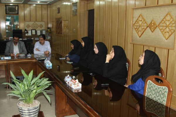 جلسه مشترک کمیته امور بانوان اداره کل نوسازی مدارس استان یزد با مدیرکل