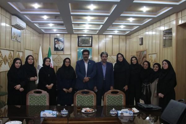 تجلیل از کارمندان زن به مناسبت روز زن در اداره کل نوسازی مدارس استان یزد
