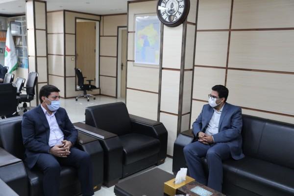در دیدار مهندس ذاکر با مدیرکل راهداری و حمل و نقل جاده ای استان یزد در راستای بسته تحولی اجرایی طرح «آجر به آجر» توافق شد؛