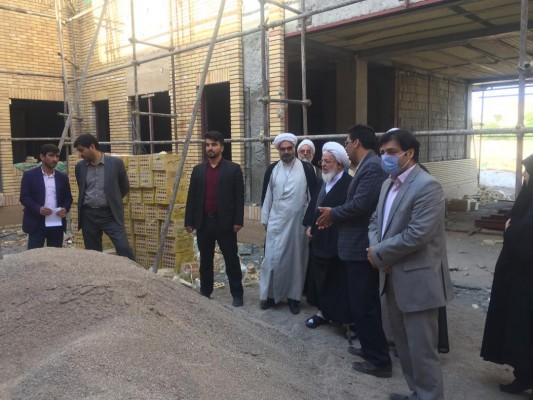 بازديد نماینده ولی فقیه استان یزد از مدرسه معارف مطهری در یزد